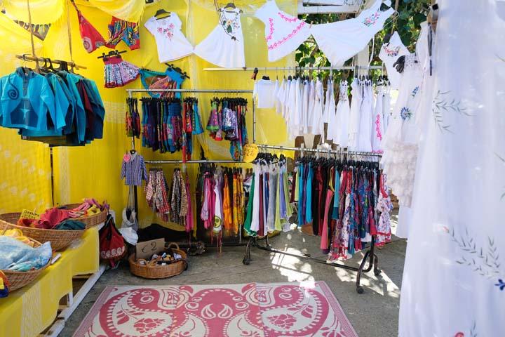 Ibiza met baby hippiemarkt